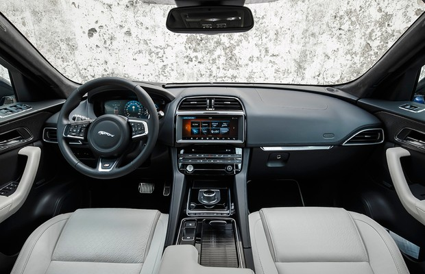 Interior do Jaguar F-Pace First Edition (Foto: Divulgação)