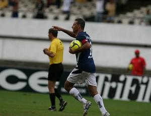 Fábio comemora um dos seus 22 gols pelo Remo na Série B de 2007 (Foto: Dirceu Maues/Arquivo)