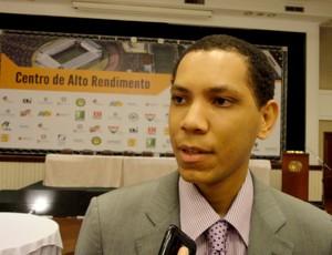 Matheus Moreira, coordenador do projeto (Foto: Augusto Gomes/GLOBOESPORTE.COM)