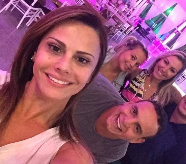 Viviane Araújo visita a casa de festa onde vai comemorar seus 41 anos (Foto: Reprodução/Facebook)