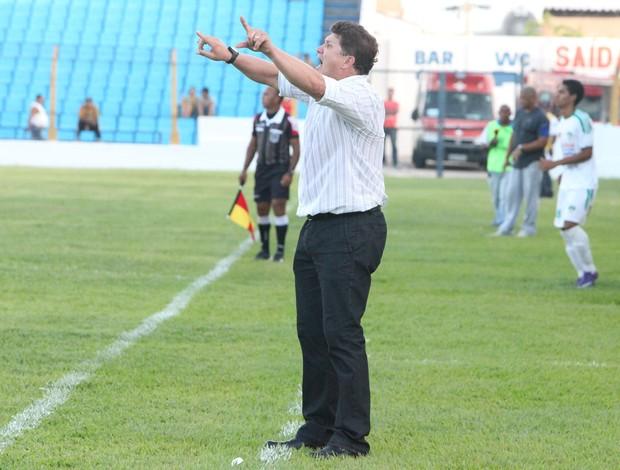 Emerson Mateus, técnico Santa Quitéria (Foto: De Jesus/O Estado)