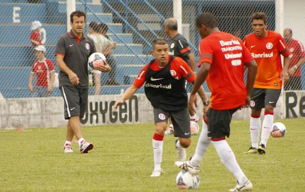 Dunga, técnico do Inter, em Gramado. Treino do Inter (Foto: Diego Guichard / GLOBOESPORTE.COM)