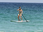 Fernanda Pontes pratica stand up paddle no Rio