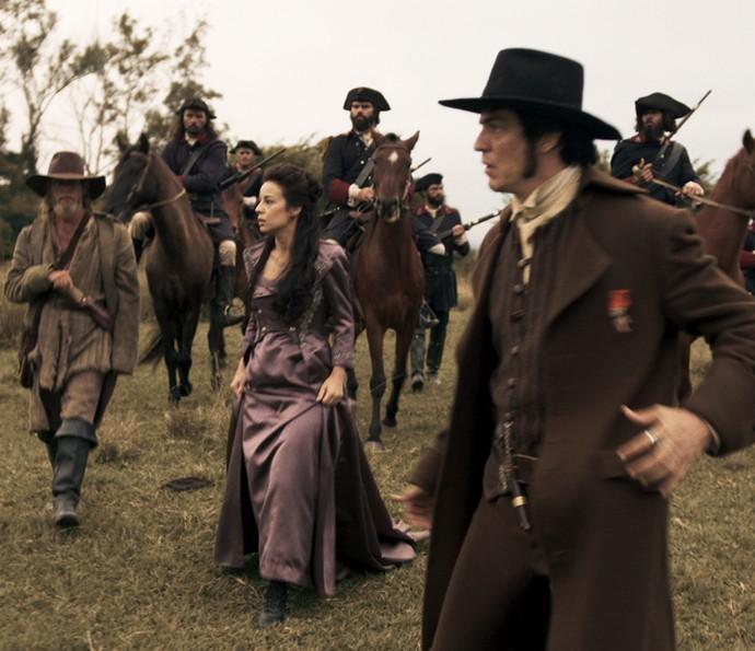 Joaquina e Rubião comandam buscas por Raposo (Foto: TV Globo)