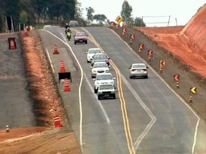 Rodovia Geraldo de Barros (SP-304), entre Piracicaba e São Pedro, está em obras desde 2014 (Foto: Reprodução/EPTV)