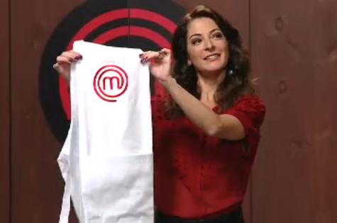 Ana Paula Padrão no primeiro episódio de 'MasterChef' (Foto: Band)