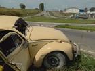 Idoso morre após carro capotar na BR-491, em Varginha, MG