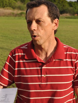 Fernando Tonet acompanha treino do Piauí na pré-temporada (Foto: Renan Morais/GLOBOESPORTE.COM)
