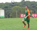 Após suspensão, dupla de zaga do Coelho volta a treinar entre os titulares