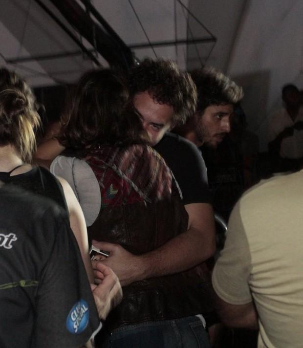 Sophie Charlotte trocou abraços (Foto: Revista QUEM)