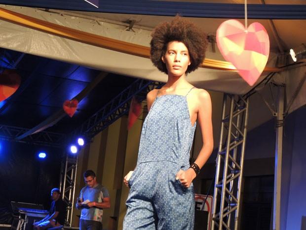 Jovens mostraram atitude na passarela e revelaram o sonho em seguir a carreira de modelo. (Foto: Luna Markman/ G1)