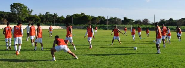 Elenco do River-PI faz treino físico para enfrentar Piauí (Foto: Renan Morais/GLOBOESPORTE.COM)