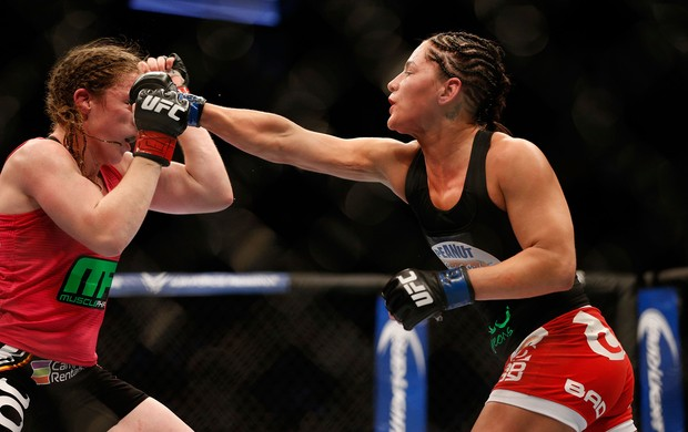 Sarah Kaufman x Jessica Eye ufc  (Foto: Getty Images)