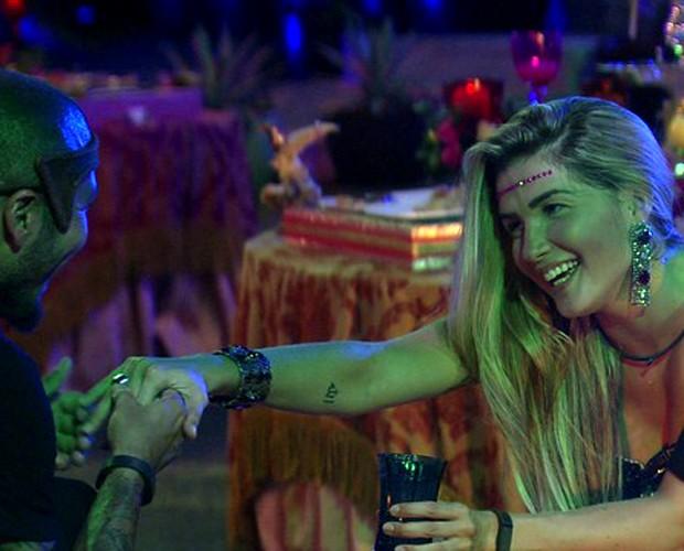 Fernando pede a mão de Aline em casamento no Baile em Veneza (Foto: Gshow)