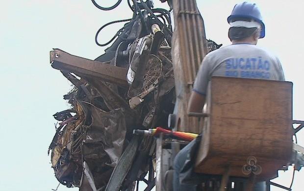 A reportagem mostra a ação de uma  empresa que já faz a reciclagem desses materiais. (Foto: Bom Dia Amazônia)