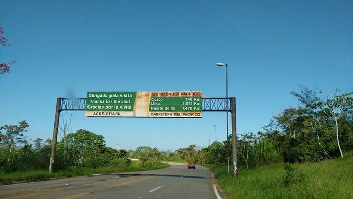 Divisa Brasil e Peru (Foto: Istepôs Aventureiros/Divulgação)