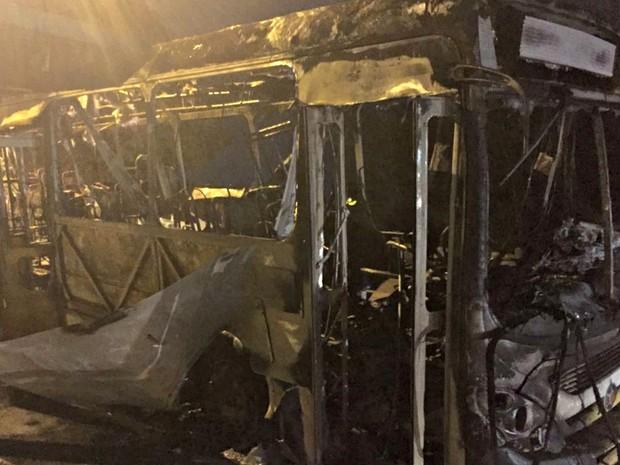 Segundo o Corpo de Bombeiros, ninguém ficou ferido (Foto: Cristina Mayumi/TVCA)