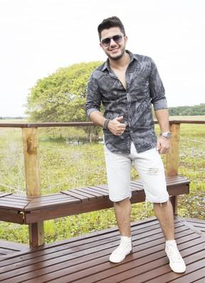 Cristiano Araújo na gravação do Estrelas no Pantanal (Foto: Globo/ Gabriel Nascimento)