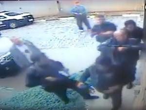 Câmera de monitoramento de escola do MST em Guararema mostra ação da Polícia Civil (Foto: Reprodução)