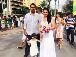 Ana Rosangela Azevedo, de 31 anos, e Emerson Moraes, de 34, estão juntos há 4 anos (Foto: Lívia Torres/G1)