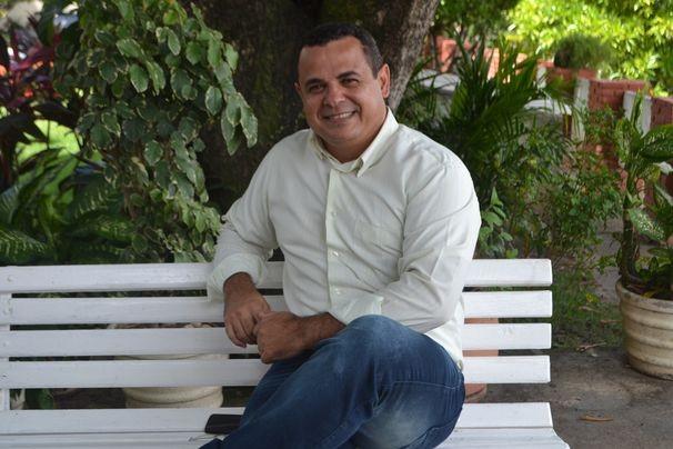 Cleverton Macedo já apresenta o Estação Agrícola há 12 anos (Foto: Divulgação/TV Sergipe)