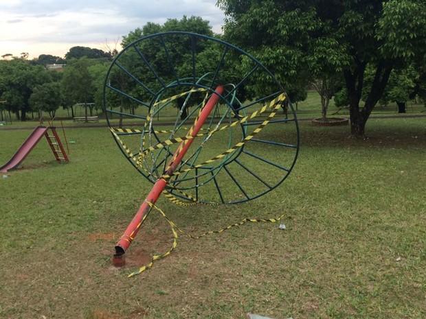 Brinquedo que caiu sobre menino chama 'Constelação' (Foto: Graciela Andrade/TV TEM)