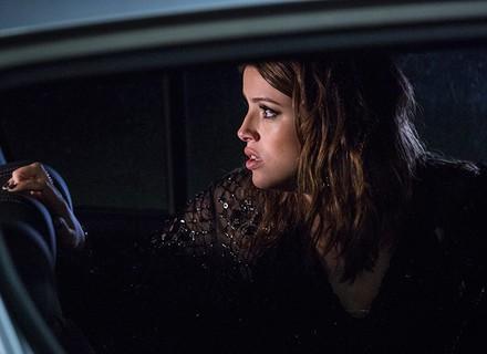 Camila, personagem de Agatha Moreira, é sequestrada, e Giovanni se arrisca para salvá-la