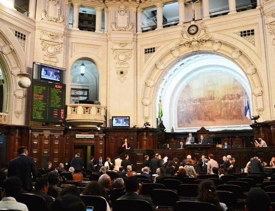 Assembleia Legislativa do Rio de Janeiro aprova o ajuste. (Foto: PAULO CARNEIRO/AGÊNCIA O DIA/ESTADÃO CONTEÚDO)