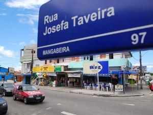 Avenida Josefa Taveira é a principal do bairro e abriga um comércio diversificado que funciona de domingo a domingo  (Foto: Rizemberg Felipe / Jornal da Paraíba)