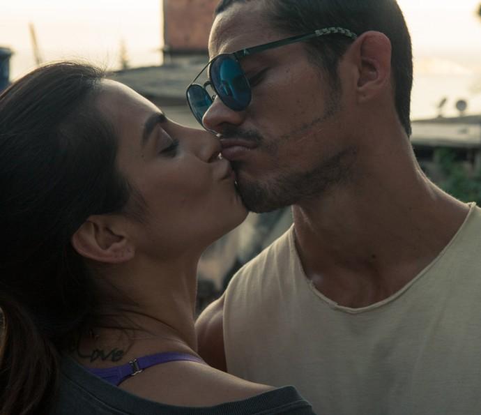 Cleo Pires e José Loreto formam o casal Vivianne e José Aldo na cinebiografia (Foto: Divulgação)
