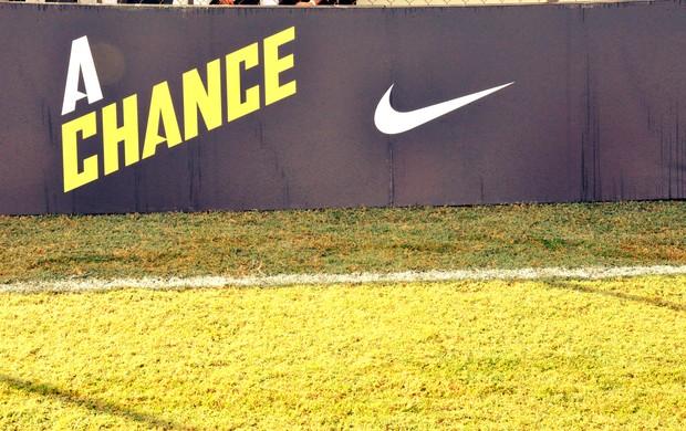 Placa do projeto A Chance da Nike (Foto: Daniel Cardoso)