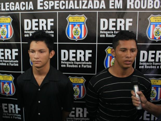 Suspeitos assumiram autoria dos crimes na delegacia (Foto: Romulo de Sousa/G1 AM)