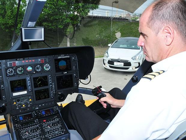 Comandante Micchi lembra que a ampla área envidraçada é uma característica comum aos veículos (Foto: Oswaldo Luiz Palermo/Autoesporte)