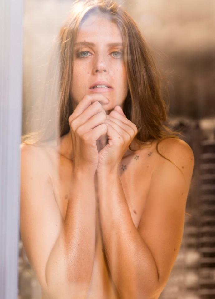 Sexy, Clara é clicada durante a final do concurso Garota Totalmente D+ (Foto: TV Globo/Beto Roma)