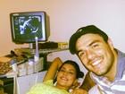 Mariana Felício e Daniel Saullo mostram ultrassonografia da filha