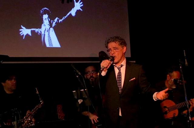 Jean Pierre Noher em seu show no Boris Club, em Buenos Aires (Foto: Arquivo pessoal)