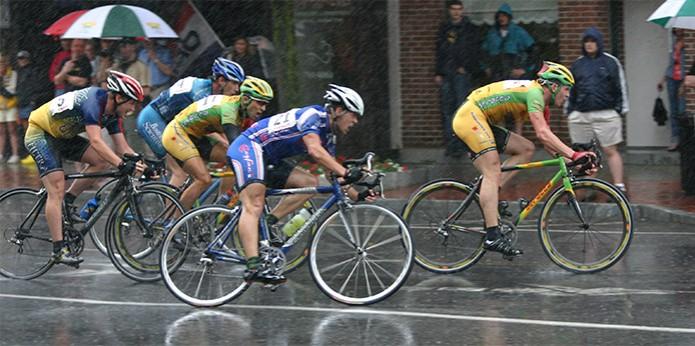 Ciclistas disputando corrida fotografados em alta velocidade (Foto: Reprodução/Paul Chessare) (Foto: Ciclistas disputando corrida fotografados em alta velocidade (Foto: Reprodução/Paul Chessare))