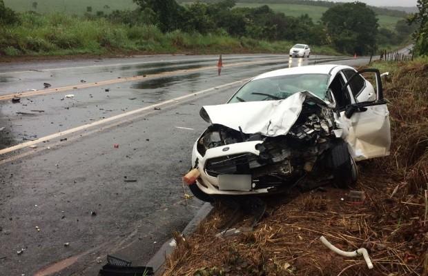 Homem morre e 6 pessoas se ferem em acidente na BR-414, em Goiás (Foto: Divulgação/Corpo de Bombeiros)