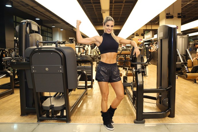 Raquel Guarini não falta à academia no inverno (Foto: Carol Caminha/Gshow)