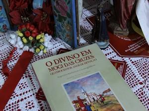Livro é fruto de pesquisas do historiador Jurandyr Ferraz de CAmpos (Foto: Eisner Soares/ O Diário)