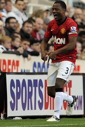Evra manchester united gol newcastle (Foto: Agência Reuters)
