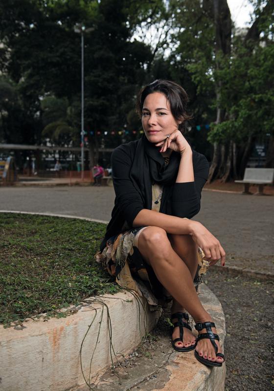 Lucrecia Zappi na praça Rotary,em São Paulo  (Foto: Filipe Redondo / ÉPOCA)