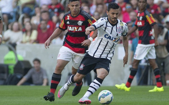 Corinthians x Flamengo no Campeonato Brasileiro de 2015 (Foto: Daniel Augusto Jr. / Agência Corinthians)