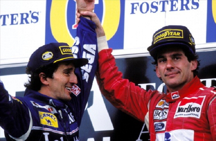 Alain Prost e Ayrton Senna fazem as pazes no GP da Austrália de 1993 (Foto: Getty Images)