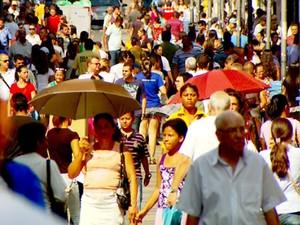 Movimento na Rua 13 de Maio no Centro de Campinas (Foto: Reprodução EPTV)