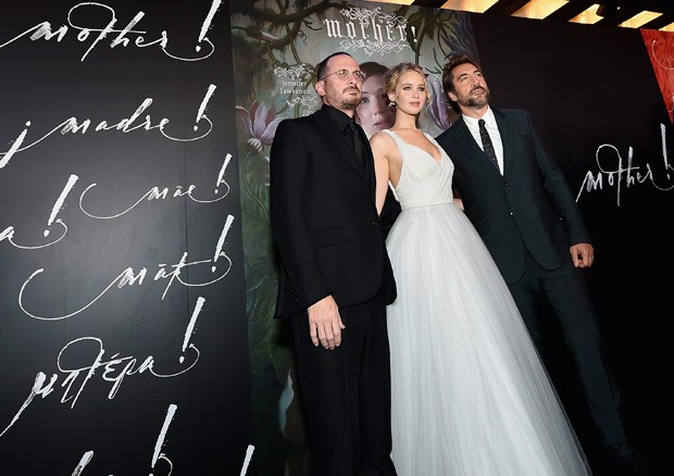 Darren Aronofsky, Jennifer Lawrence e Javier Bardem (Foto: Getty Images)
