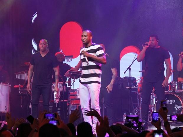 Thiaguinho em show no Rio (Foto: Thyago Andrade/ Brazil News)