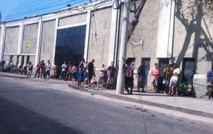 Vasco filas em São Januário  (Foto: Raphael Zarko)