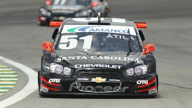 Stock Car - Átila Abreu guia o carro 51 da AMG em Interlagos (Foto: Luca Bassani/ Divulgação)