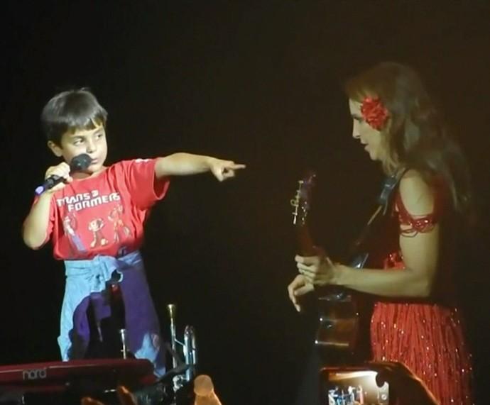 Ivete e Marcelinho no show (Foto: TV Globo)